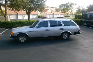 1984 Mercedes Benz 300td Wagon photo