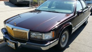 1993 Cadillac Fleetwood Brougham Sedan 4 - Door 5.  7l photo