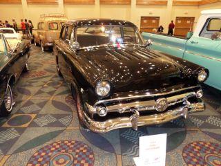 1954 Ford Custom Line 2 Door photo
