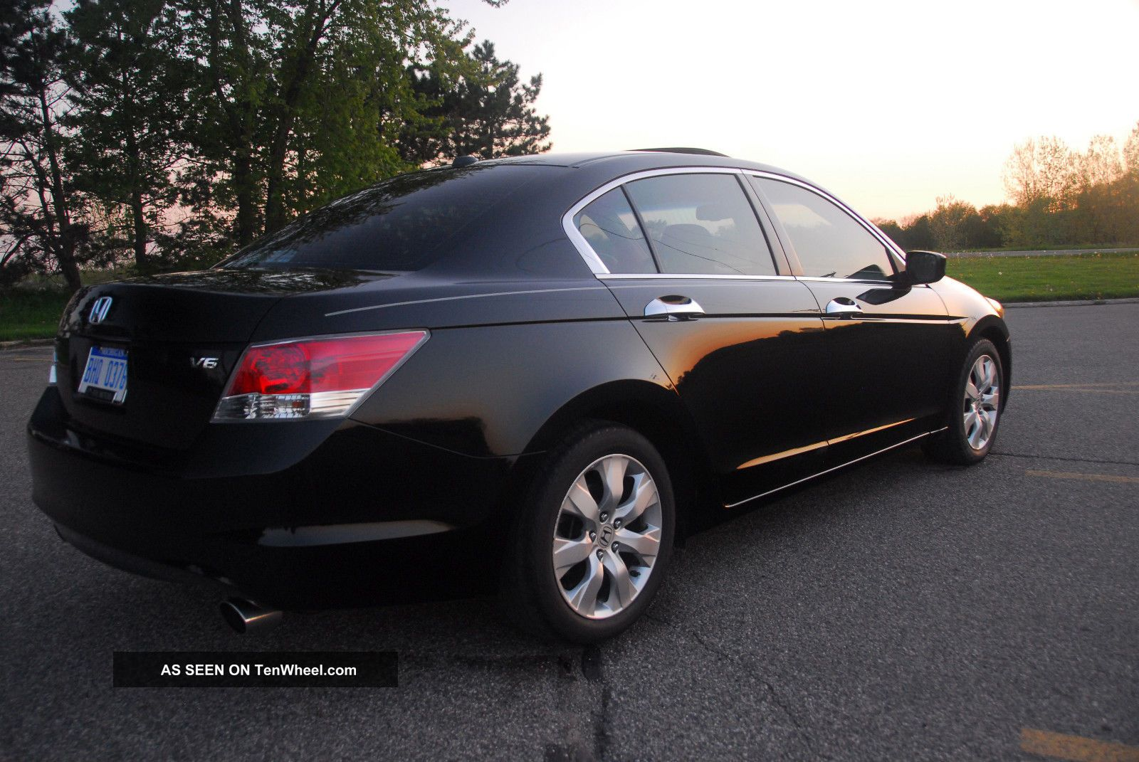 2009 honda accord ex l v6 sedan black on black 2009 Pontiac G8 GXP Colors 2009 Pontiac G8 GXP Engine