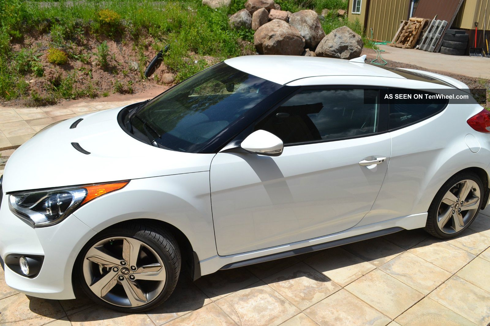 2013 Hyundai Veloster Turbo - Pearl White - Black / Blue Interior,  6 Spd Veloster photo