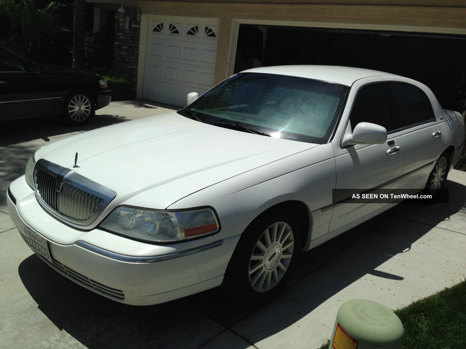 lincoln town certificate tx on car of auto en c carfinder lot e in burgundy dallas south title sale auctions copart online