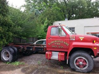 1982 Ford F800 Cab Chassis - Retired Fire Truck photo