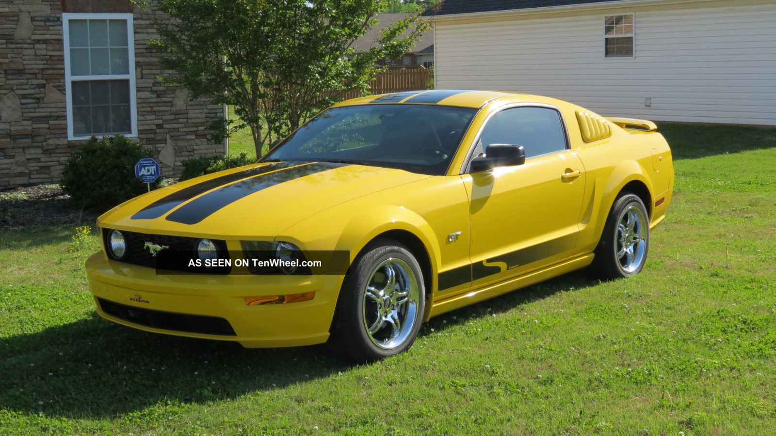 2005 ford mustang gt premium coupe 2 door 4 6l. Black Bedroom Furniture Sets. Home Design Ideas