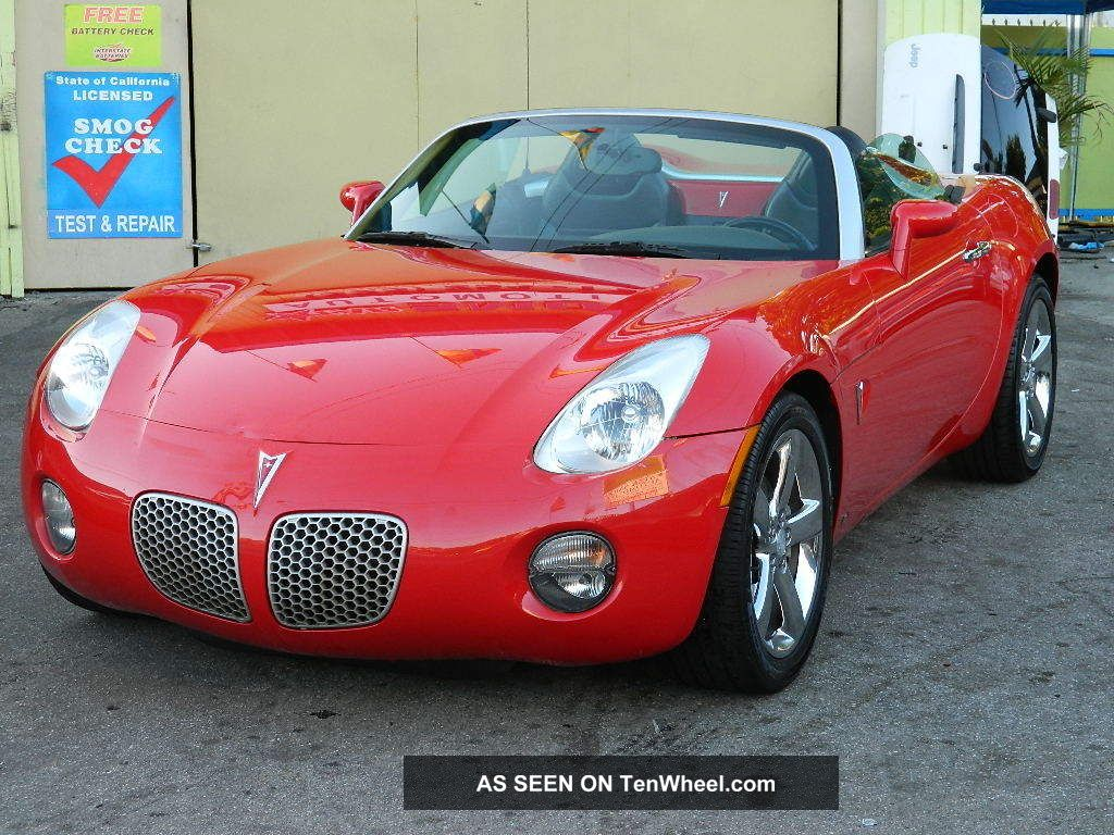 2006 Pontiac Solstice Hot Summer Fun
