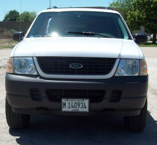 White 2004 Ford Explorer Xls 4wd - photo