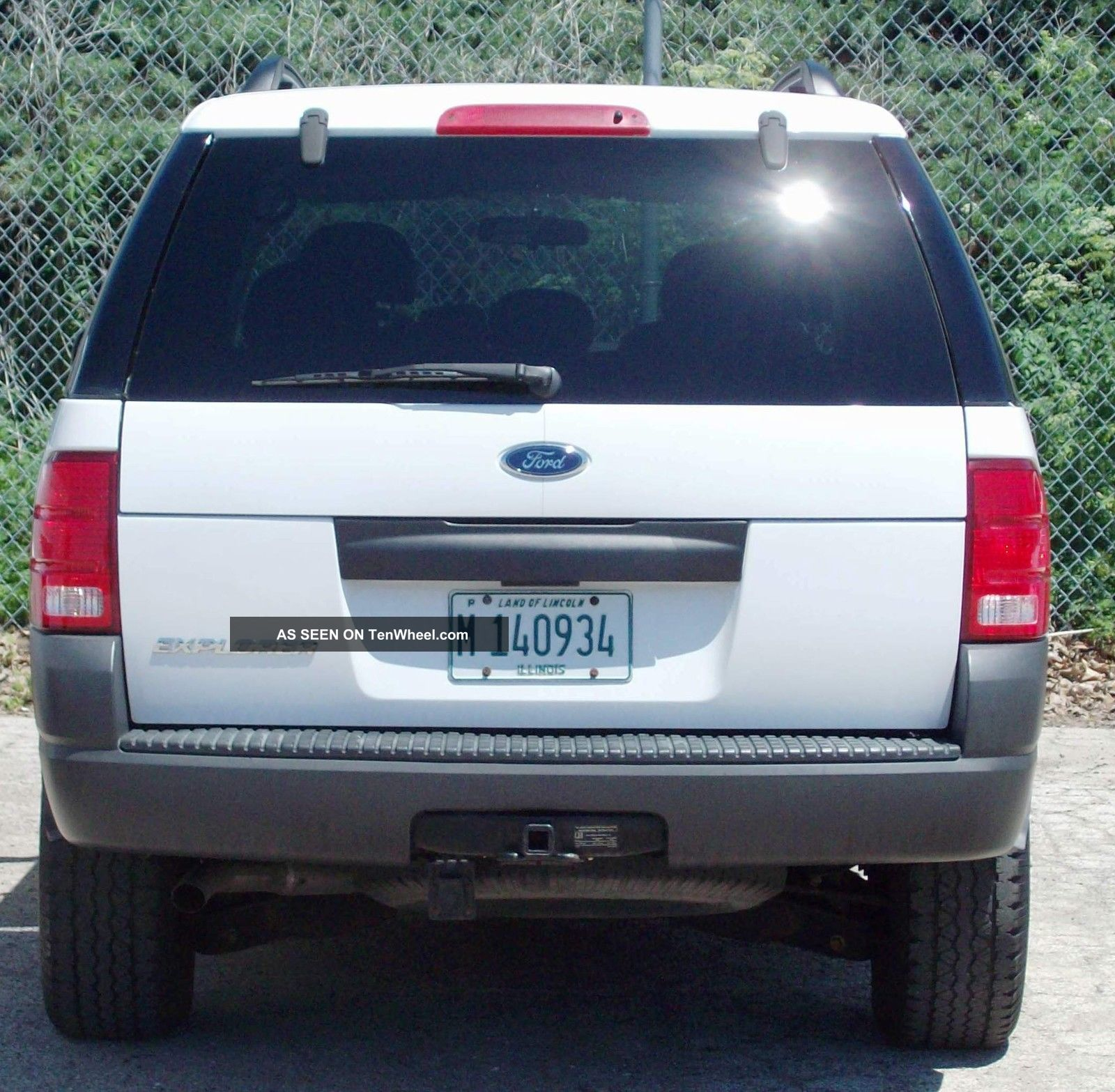White 2004 Ford Explorer Xls 4wd