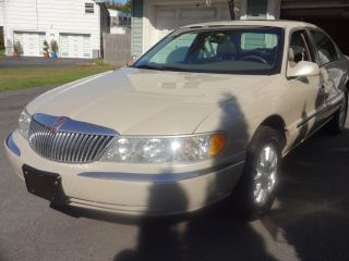 2002 Lincoln Continental Base Sedan 4 - Door 4.  6l photo