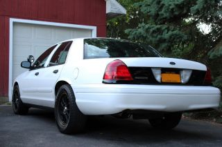 2003 Ford Crown Victoria Police Interceptor Sedan 4 - Door 4.  6l Turbo photo