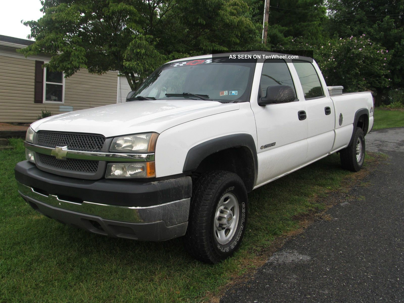 2004 chevrolet silverado 2500 hd base crew cab pickup 4 door 8 1l. Black Bedroom Furniture Sets. Home Design Ideas