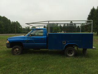 1998 Dodge Ram 3500 4x4 Cummins Diesel Reading Utility Body Pickup Truck photo