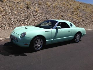 2004 Ford Thunderbird photo