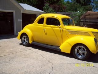 1937 Ford Coupe Street Rod photo