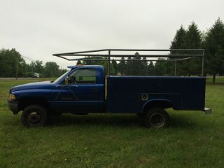 1997 Dodge Ram 3500 4x4 Cummins Diesel Reading Utility Body Pickup Truck photo
