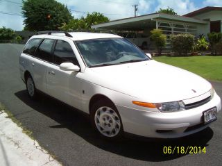 2001 Saturn Lw200 4dsw photo