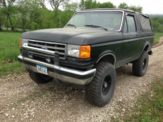 1989 Ford Bronco Xlt Lifted Black Rust 5.  8l 351 Automatic Needs Paint photo
