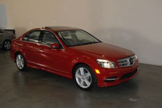 2011 Mercedes Benz C300 photo