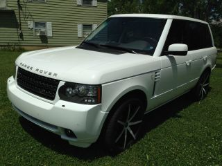 2011 Land Rover Range Rover Hse Lux.  Edition photo
