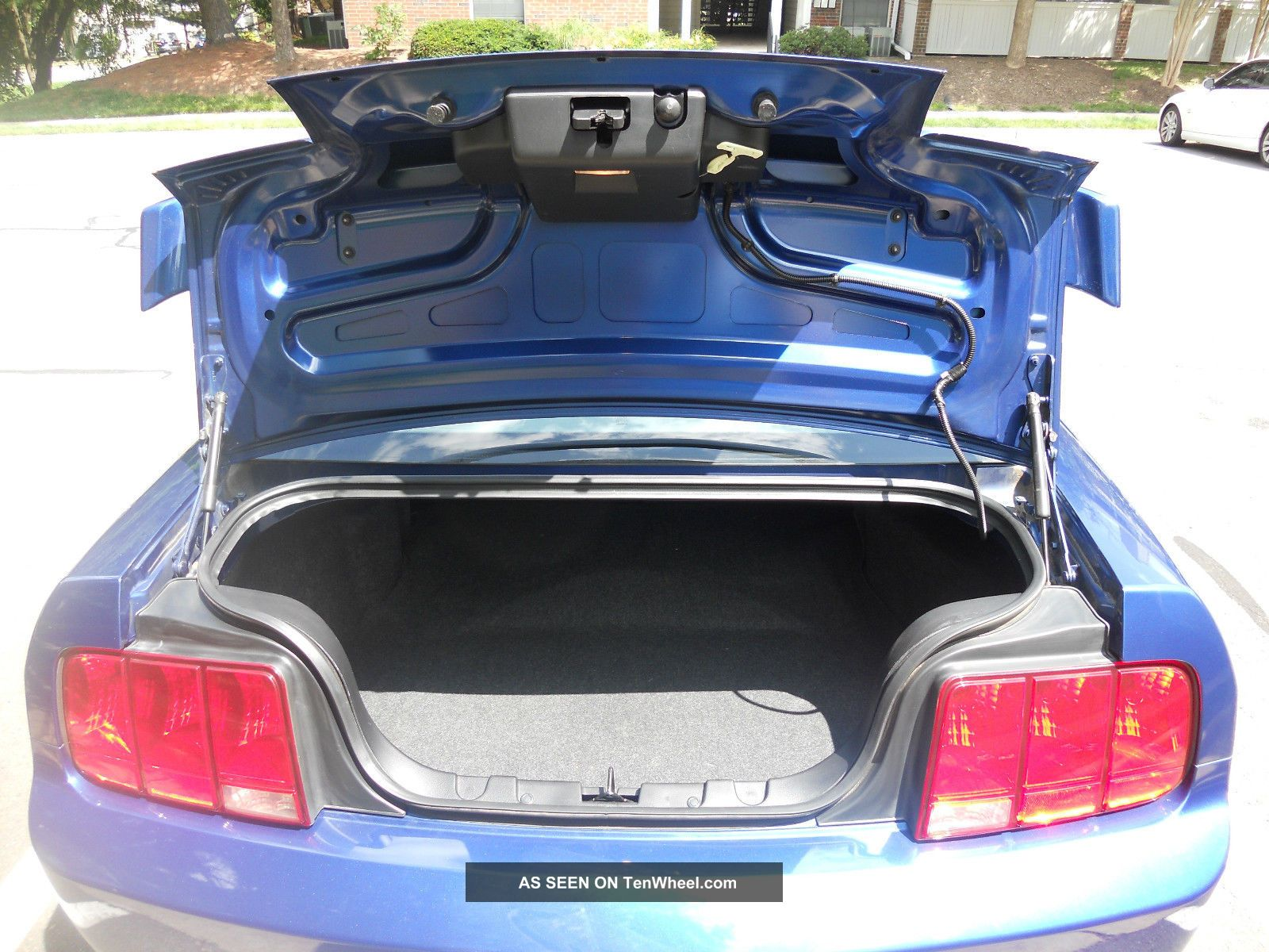 2006 Ford Mustang V8 Premium Gt Coupe, 42k, Lowered, Borla Exhaust