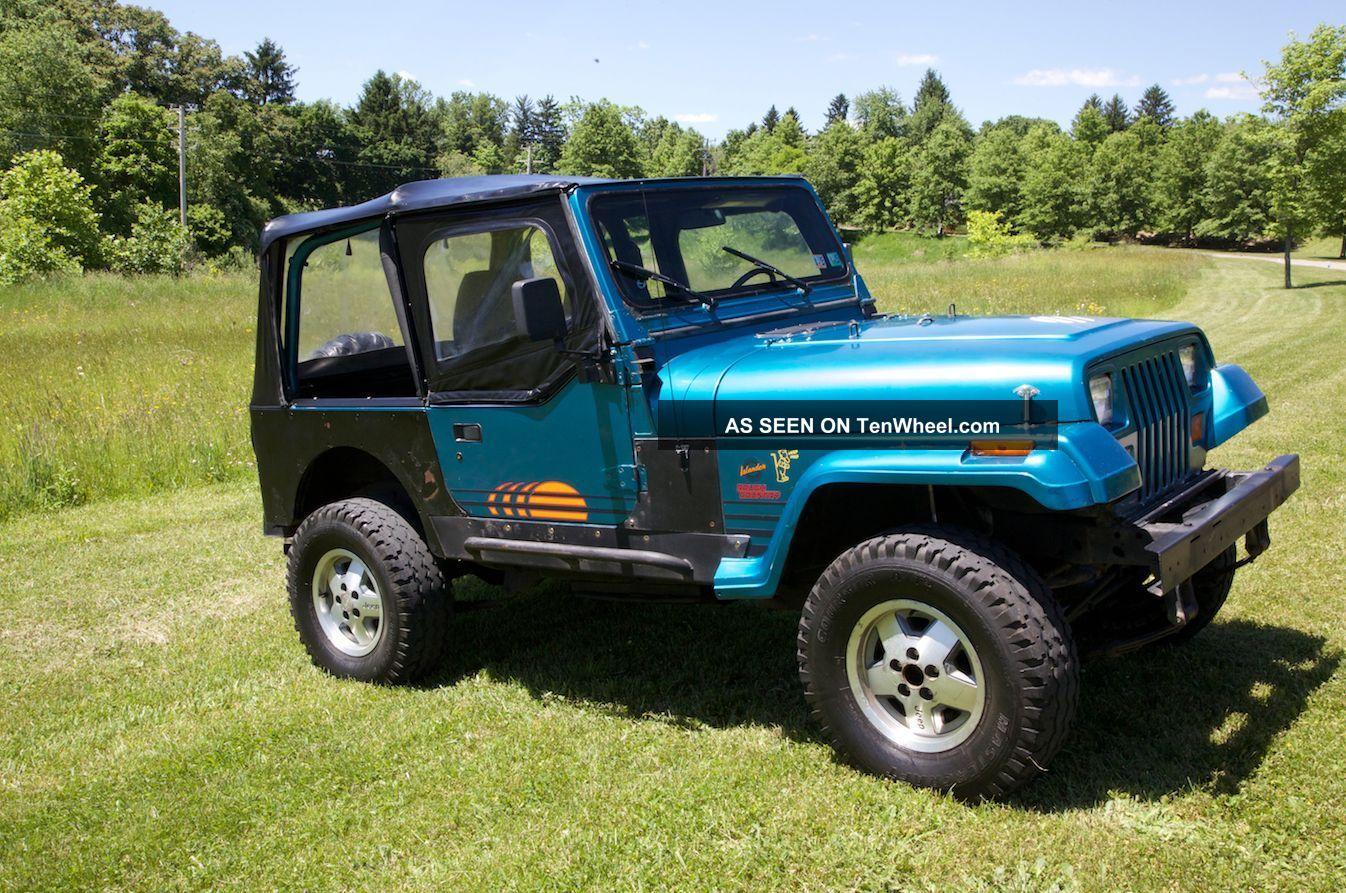 1992 Jeep Wrangler Islander Edition Head Turner Fun