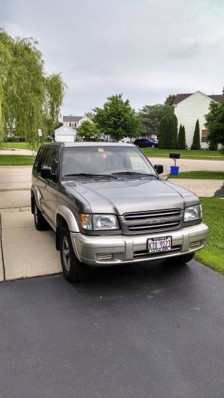 2001 Isuzu Trooper Limited Sport Utility 4 - Door 3.  5l photo