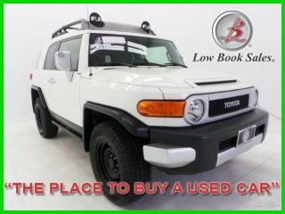 2011 Fj Cruiser White 25k 4l V6 4x4 4wd Suv Premium photo