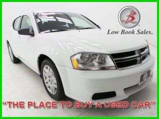 2014 Avenger Se White 2k 2.  4l I4 16v Automatic Fwd Sedan Premium photo
