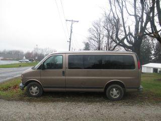 2002 Gmc Savana 1500 Slt Standard Passenger Van 3 - Door 5.  7l photo