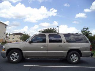 2002 Chevrolet Suburban Lt1500 3rd Tow Package Am / Fm / Cd / Aux 4x4 photo