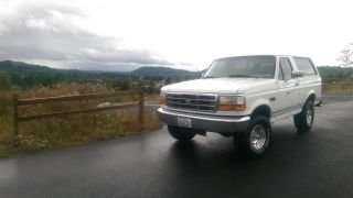 1996 Ford Bronco Xl 4x4 140k Origial Mile ' S 100% Rust photo