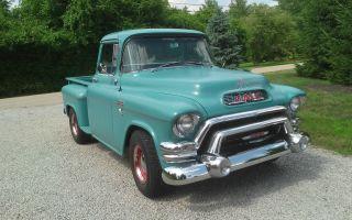 1955 Gmc / Chevrolet / Short Bed Pick - Up / 350 Motor photo