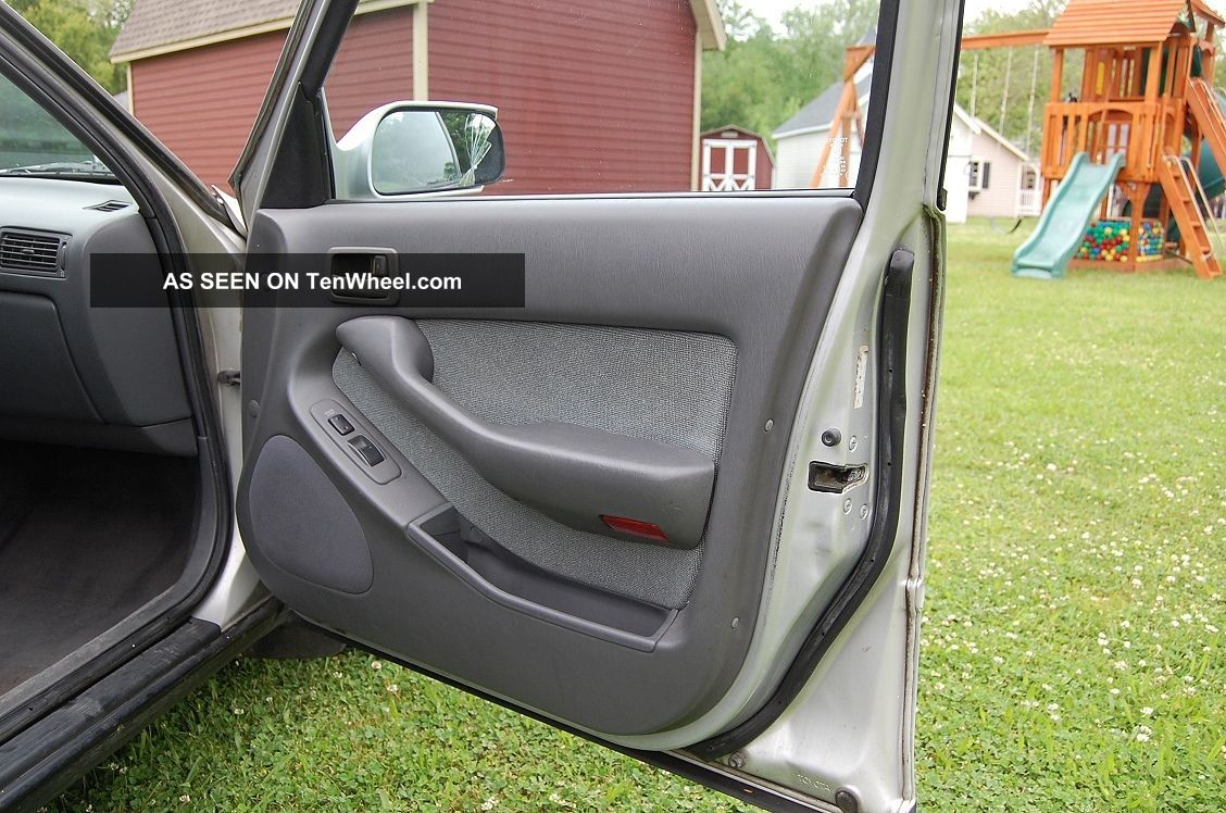 Good Running 1992 Toyota Camry Le 4 Dr Sedan Body Interior
