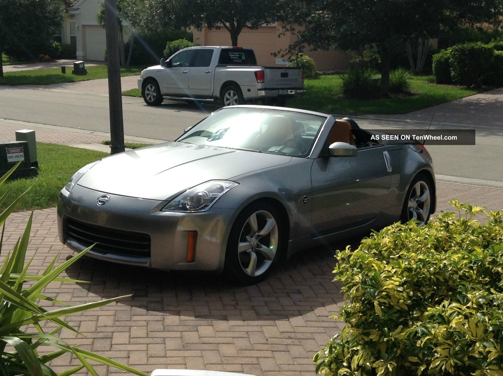 2006 nissan 350z grand touring fast must look. Black Bedroom Furniture Sets. Home Design Ideas