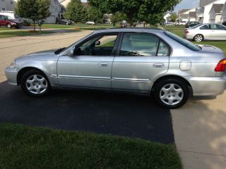 1999 Honda Civic Ex Sedan 4 - Door 1.  6l photo