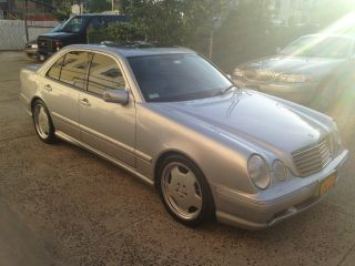 2000 Mercedes - Benz E55 Amg Base Sedan 4 - Door 5.  5l photo