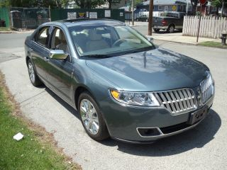 2012 Lincoln Mkz Base Sedan 4 - Door 3.  5l photo