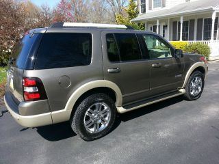 2006 Ford Explorer Eddie Bauer Sport Utility 4 - Door 4.  0l photo