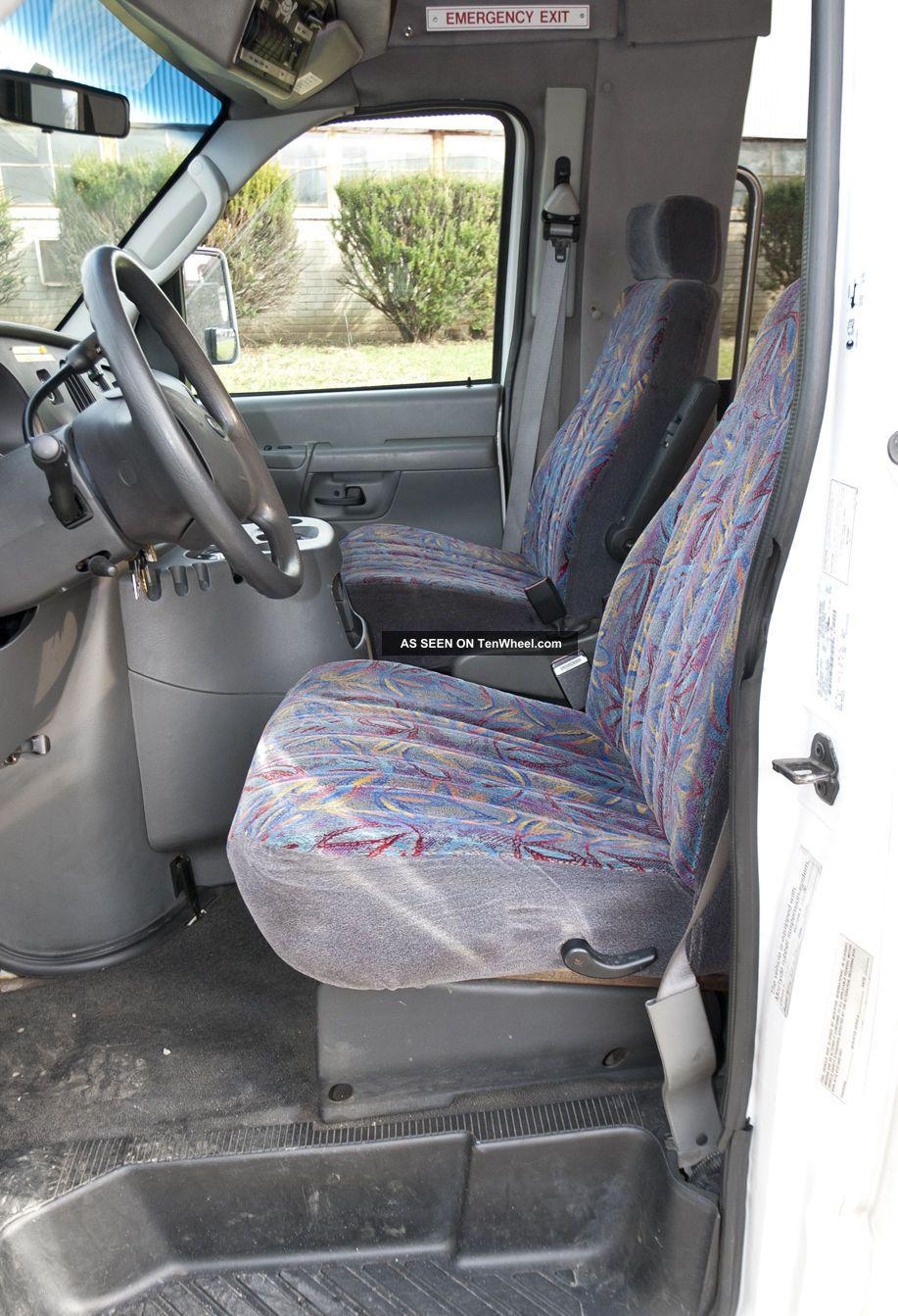ford e450 21 passenger shuttle bus
