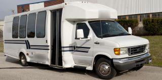 2005 Ford E450,  21 Passenger Shuttle Bus photo