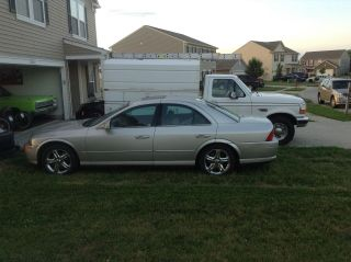 2002 Lincoln Ls Base Sedan 4 - Door 3.  9l photo