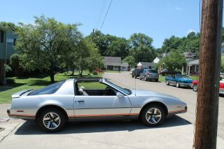1986 Pontiac Firebird Base Coupe 2 - Door 5.  0l photo