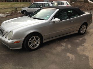 2002 Mercedes Benz Convertible Clk320 photo