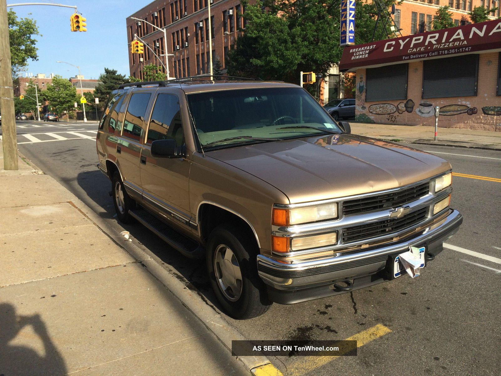 1999 Chevy Tahoe With Some Police Package Features