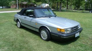 1987 Saab 900 Turbo 5 - Speed Convertible Power Top With Toneau Cover photo
