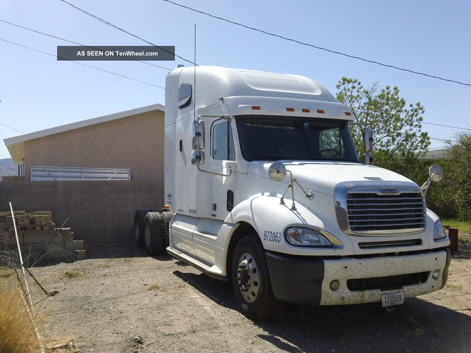 2005 Freightliner Columbia Base 14.  0l Other Makes photo