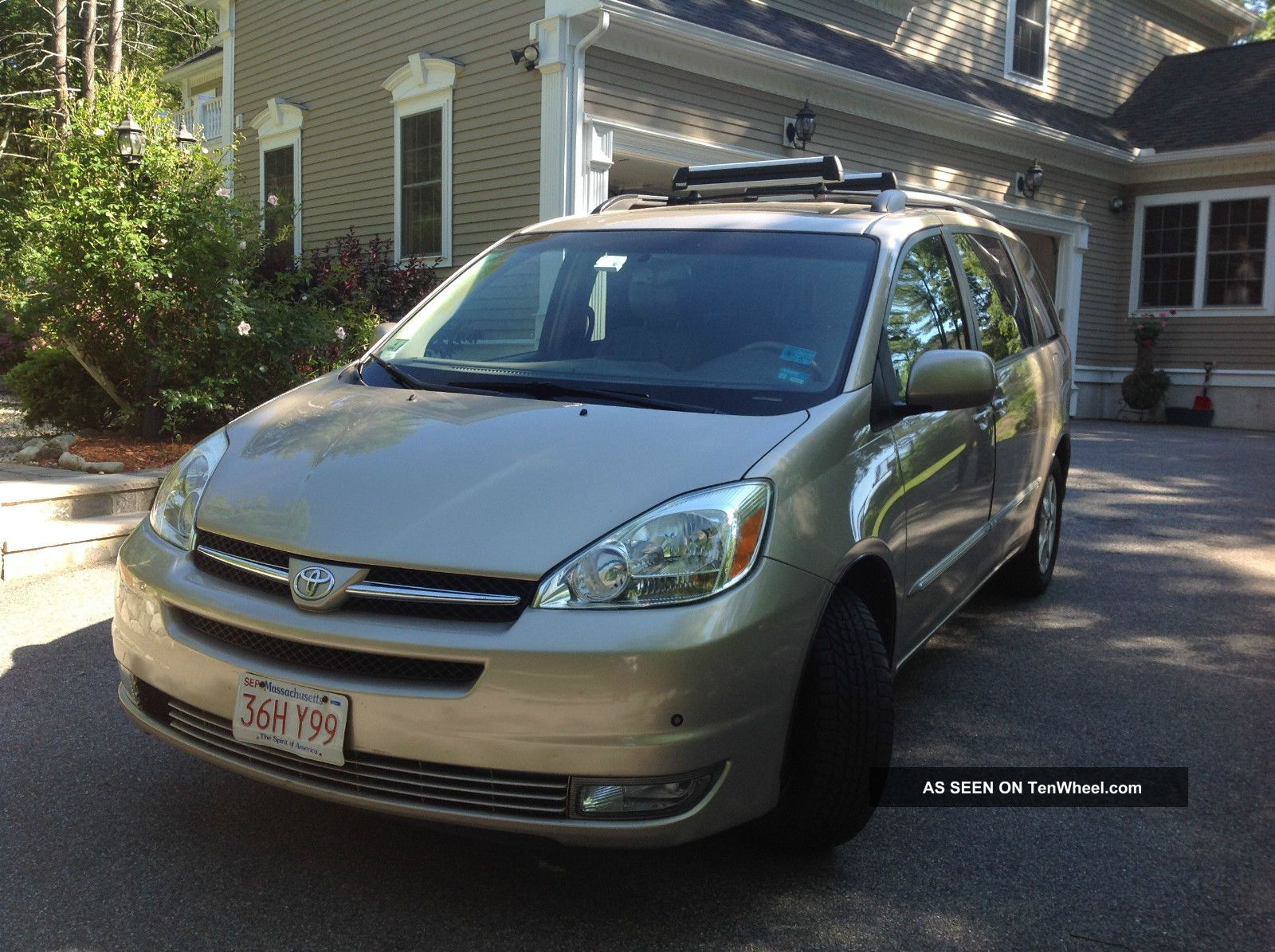 fully loaded 2004 toyota sienna xle limited minivan in. Black Bedroom Furniture Sets. Home Design Ideas