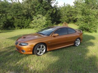 2006 Pontiac Gto.  6.  0. .  Flowmasters Rare Color. . . .  Great Condtion photo