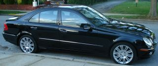 2007 Mercedes E550 Sport 60k Blk / Blk Navig Pano Roof Htd / Ac Seats Xenon photo
