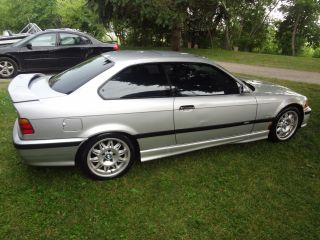 1999 Bmw 323is Base Coupe 2 - Door 2.  5l photo