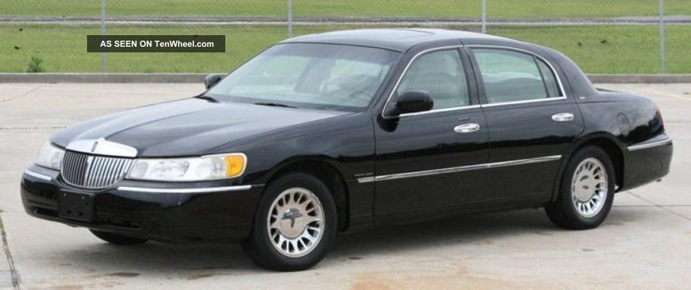 2000 lincoln town car cartier black with tan sedan 4 door 4 6l. Black Bedroom Furniture Sets. Home Design Ideas